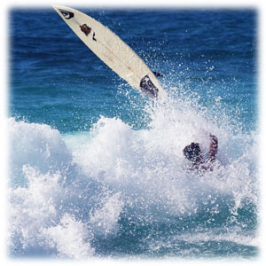 波 に 飲ま れる